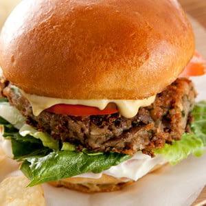 receta-de-hamburguesas-veganas-con-guisantes-sombreados.jpg