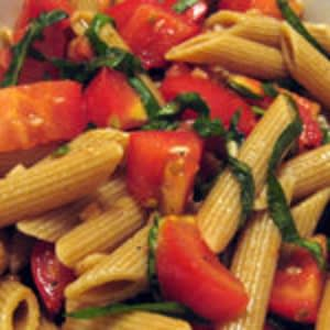 Penne sin salsa de tomate cocinero
