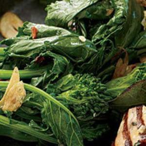 Involucrando ajo brócoli rab