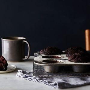 Magdalenas veganas de chocolate sin gluten dobles