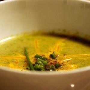 Receta de sopa de brócoli vegana