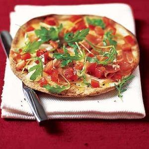 Pizza De Pan De Avena Con Prosciutto Y Gorgonzola
