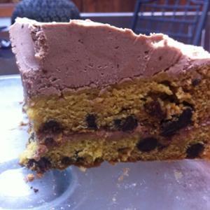 pastel-de-chispas-de-chocolate-con-glaseado-de-crema-de-mantequilla-vegana.JPG